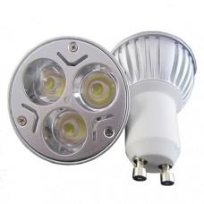 9 Watt spotlight warm white